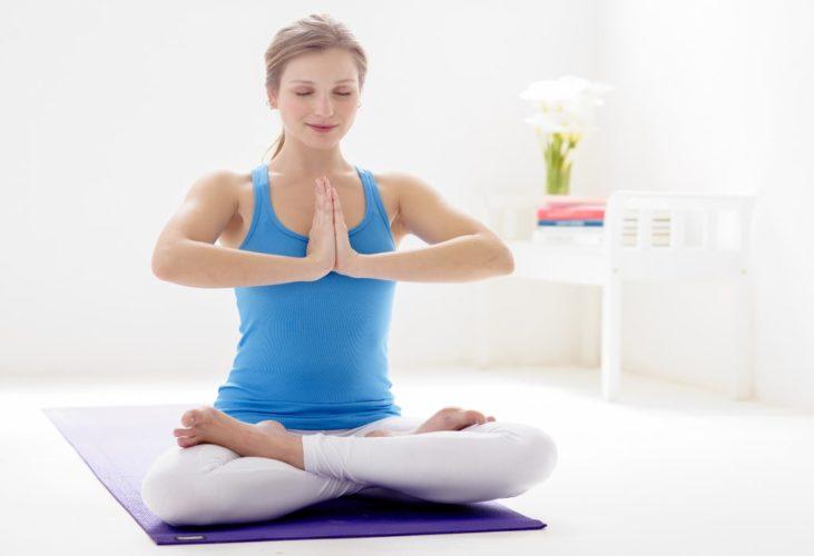 Упражнения в позе лотоса